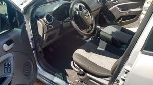 Ford Fiesta carro de mulher completo 1.6 ano - Carros - Penha Circular, Rio de Janeiro
