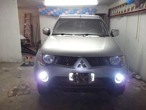 Mitsubishi L200 triton disel automatica,  - Carros - Centro, Nova Friburgo   OLX