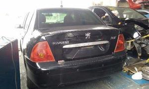 Sucata Do Peugeot v Sedan Para Retira De Peçcas