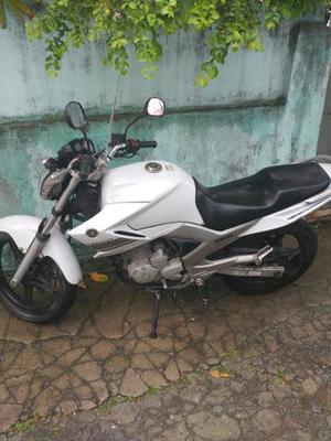 Yamaha Fazer 250cc Branca,  - Motos - Braz De Pina, Rio de Janeiro   OLX