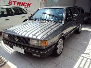 Volkswagen Voyage GL 1.8 4P