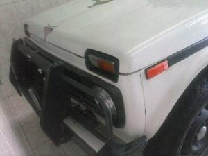 Lada Niva 4x4 Ano  Gasolina E Gnv Aceito Troca
