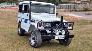Toyota Bandeirante Jipe Capota de Aço Chassi Curto Diesel