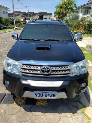 Toyota SW4 SRV D4-D 4x4 3.0 TDI Diesel Aut