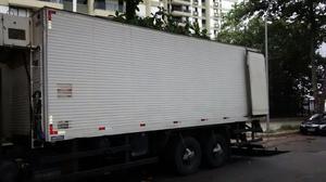 Bau frigorífico truck - Caminhões, ônibus e vans - Parque Senhor do Bonfim, Duque de Caxias | OLX