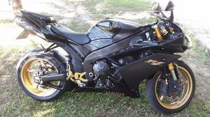 Yamaha Yzf - r1 - edição especial com 13 mil reais em acessórios,  - Motos - Alecrim, São Pedro da Aldeia | OLX