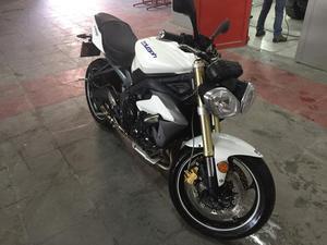 Triumph street triple 675 ABS melhor q hornet cbr z800 xj - Motos - Centro, Vassouras | OLX