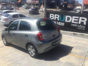 Nissan March 1.0 S 12v Flex 4p Manual  em Florianópolis