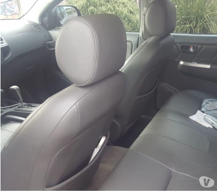 Toyota Hilux 4 x 4 SRV