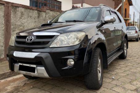 Carros na Web | Anúncio de Toyota SW4 SRV 3.0 Turbo 4x4 AT